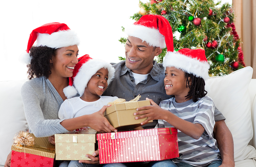 Tips & Tricks: How to Keep Your Teeth Healthy During the Holidays